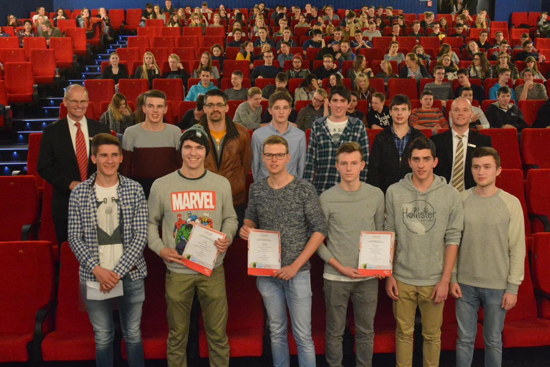 Sieger des 33. Schüler-Börsenspiels der Sparkassen ermittelt und ausgezeichnet